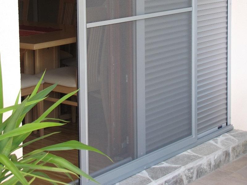 Komarniki za okna